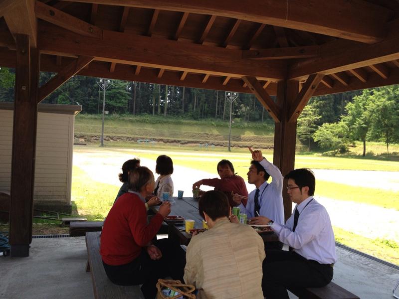 たからべ森の学校昼食風景